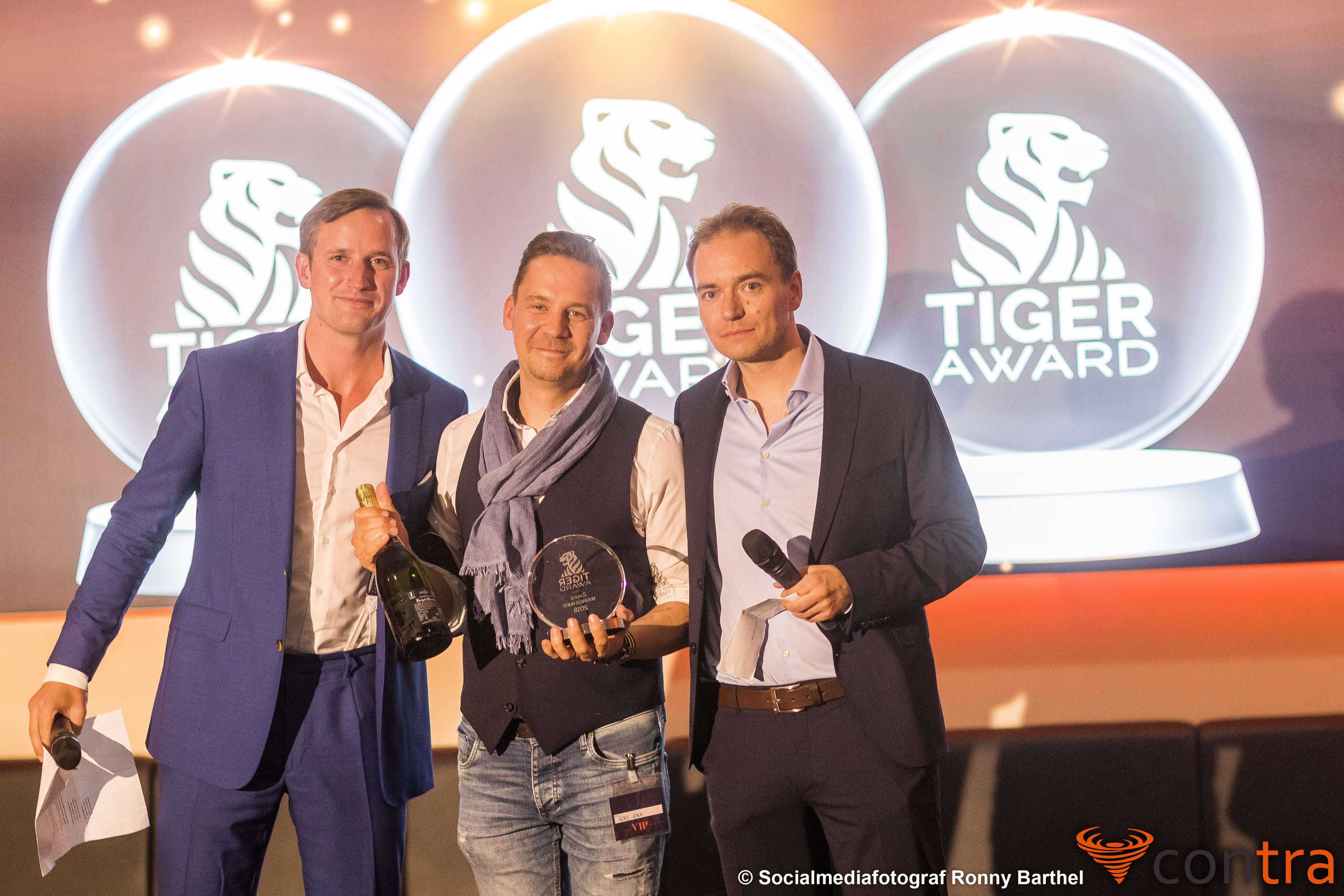 Tiger Award Contra